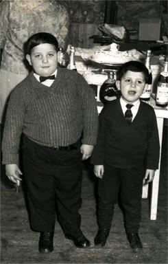 Nicola e Aldo Bosco in una foto dell'album di famiglia. È ai due imprenditori italiani che si deve il rinnovamento della Fratelli Bosco UK