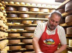 Silvio Zanini, storico stagionatore del Nostrano Valtrompia e dei migliori formaggi delle alte valli bresciane