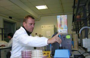 Laboratorio di analisi del latte - foto Regione Valle d'Aosta®