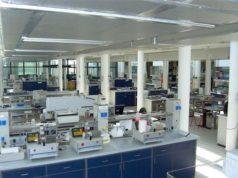 Uno dei laboratori in cui si effettueranno le analisi per contrastare i lentivirus degli allevamenti ovi-caprini - foto ARA Sardegna©
