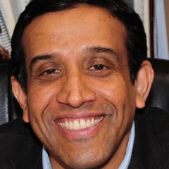 Il professor Suresh Pillai della Texas A & M University, responsabile del gruppo di ricerca sul trattamento del latte alternativo alla pastorizzazione